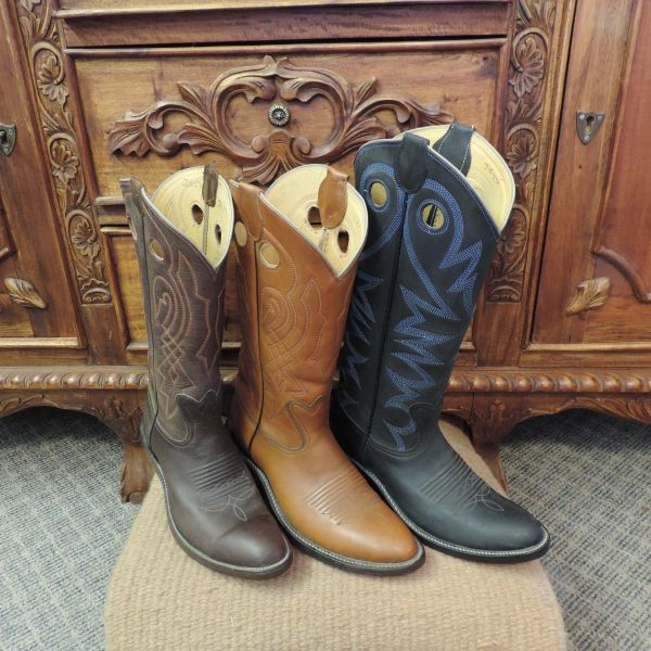 Handemade Leather Western Boots Made In America: Wilson Boots, Quality leather cowboy boots that are built tough & comfortable.
